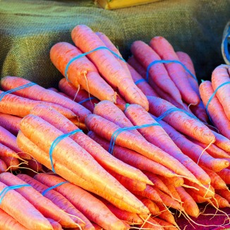 jackson-farmers-market-carrots-3857359_1920